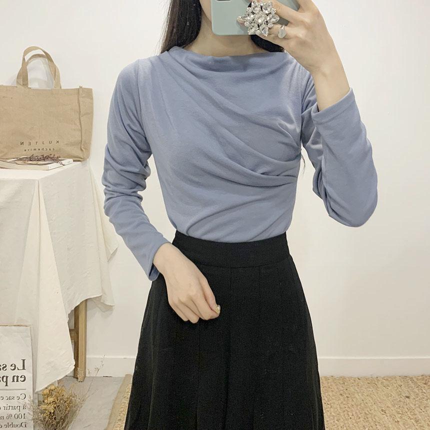 Bland Shirring Lip Neck Long Sleeve T-Shirt