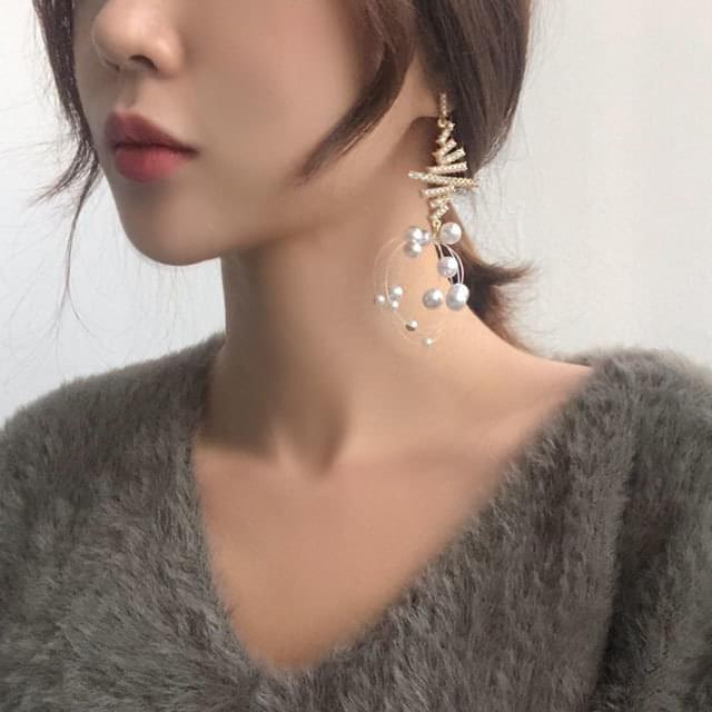 Snow Pearl Tree Drop Earrings