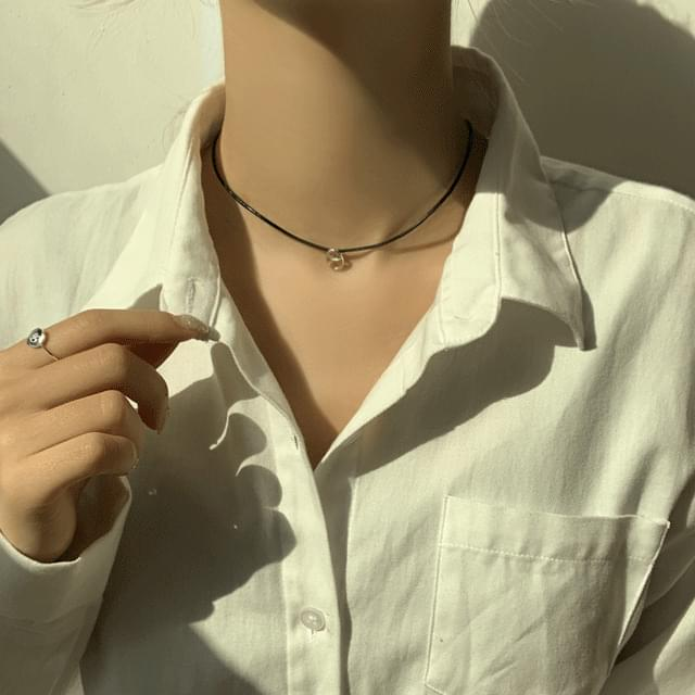 Leather chain choker necklace