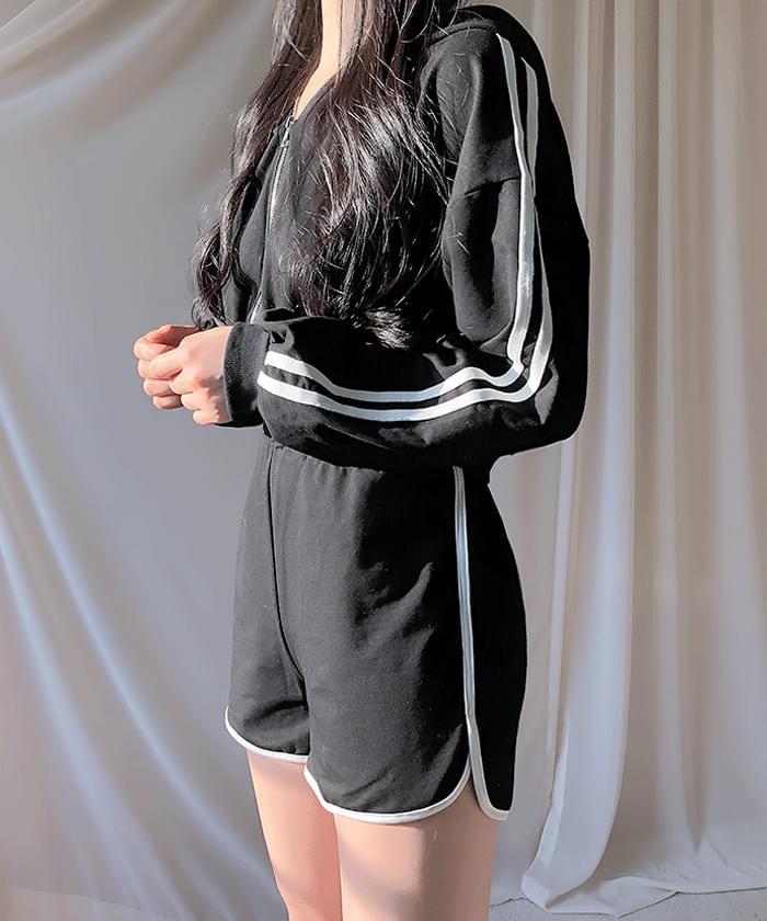 ♥ Hood set + sash + 3 sets of short pants training