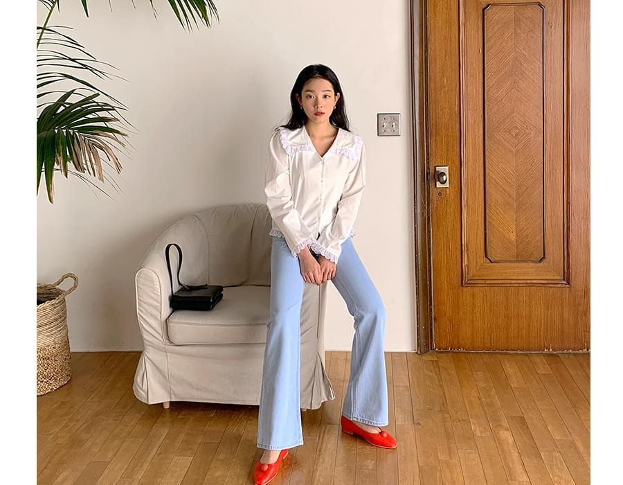 Soft color boots-cut denim pants_J