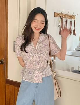 Flower Unbalance Puff Blouse