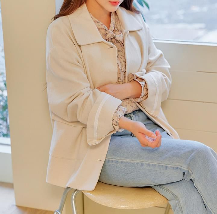 純色娃娃領棉質夾克
