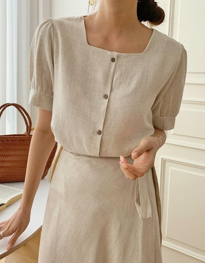 Wood linen square neck blouse