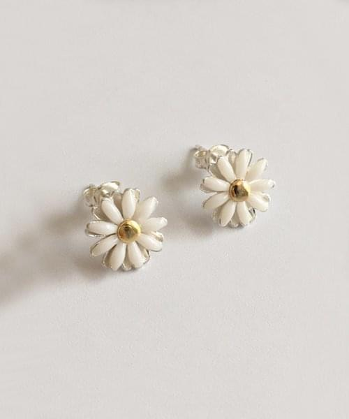 white daisy earring 耳環
