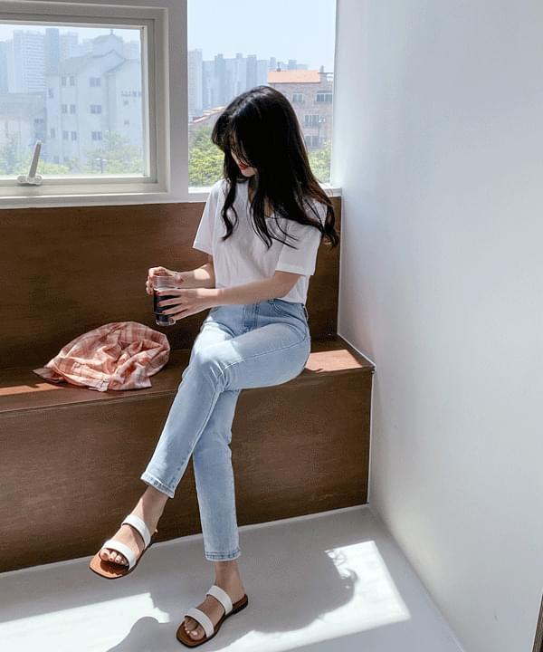 韓國空運 - Refreshing Light Blue Skinny Straight Pants-L Size Same Day Shipping 牛仔褲