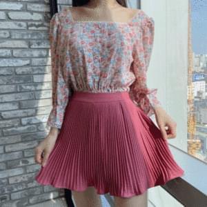 Rose pleated mini skirt