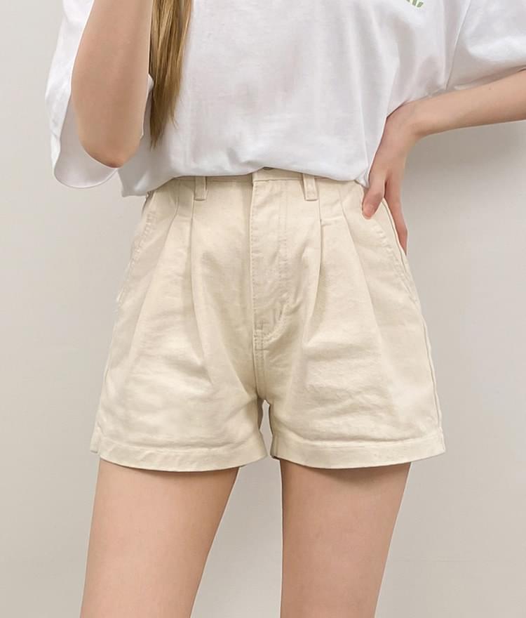 103 pintuck short pants