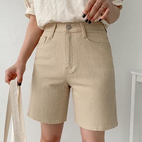 基本色款單釦高棉量四分褲