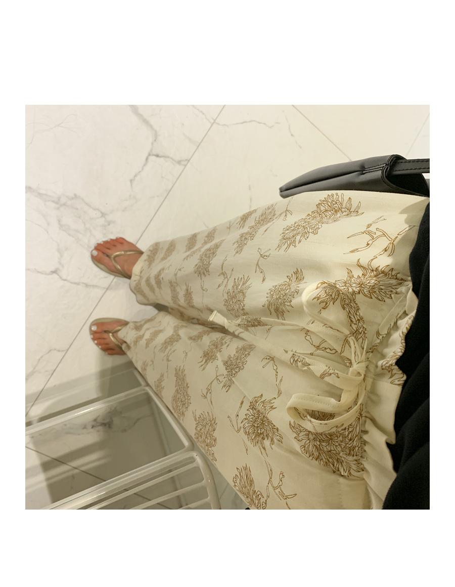 Banding pattern pants