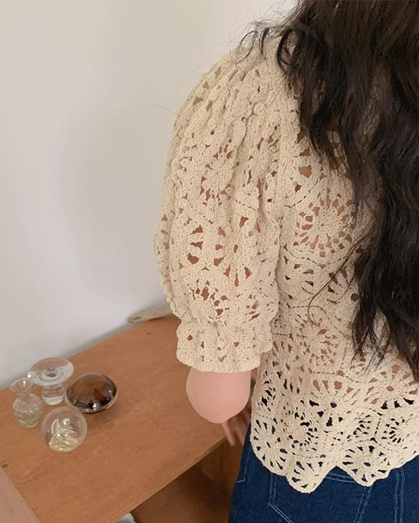 Bella loose-fit knitwear