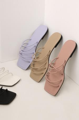 Thin strap flat slippers sandals