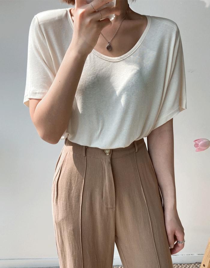 Shoulder pad T-shirt