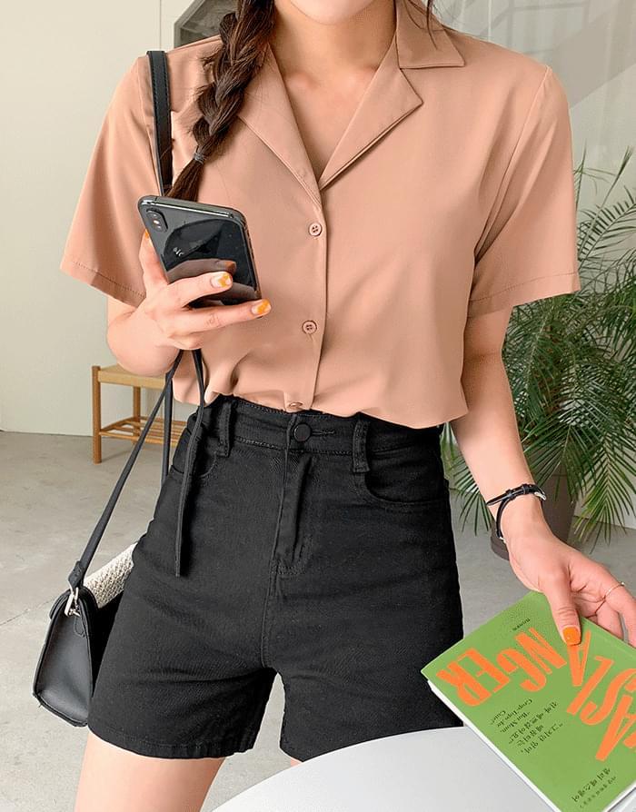 Soft open collar shirt