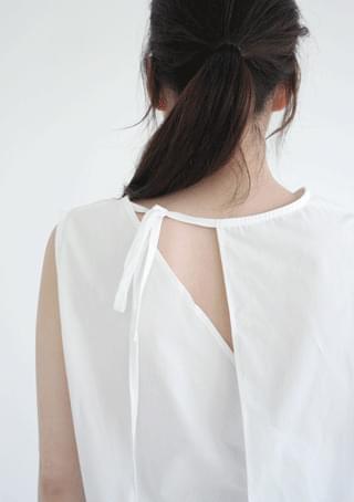 back slit sleeveless or blouse 襯衫