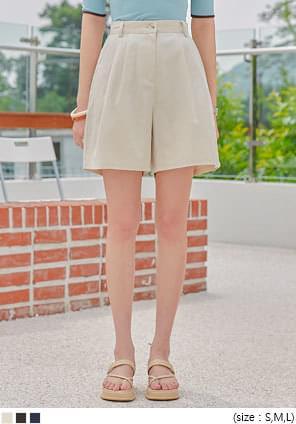 壓褶造型高腰棉質西裝短褲