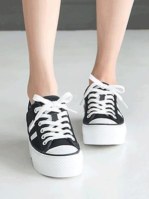 Tibelan sneakers 4 cm 球鞋/布鞋