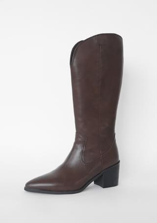 wild middle boots