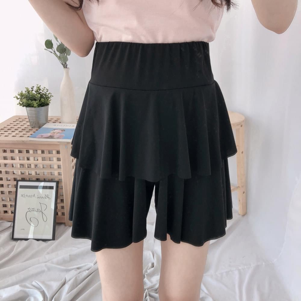 Wide banding cancan skirt