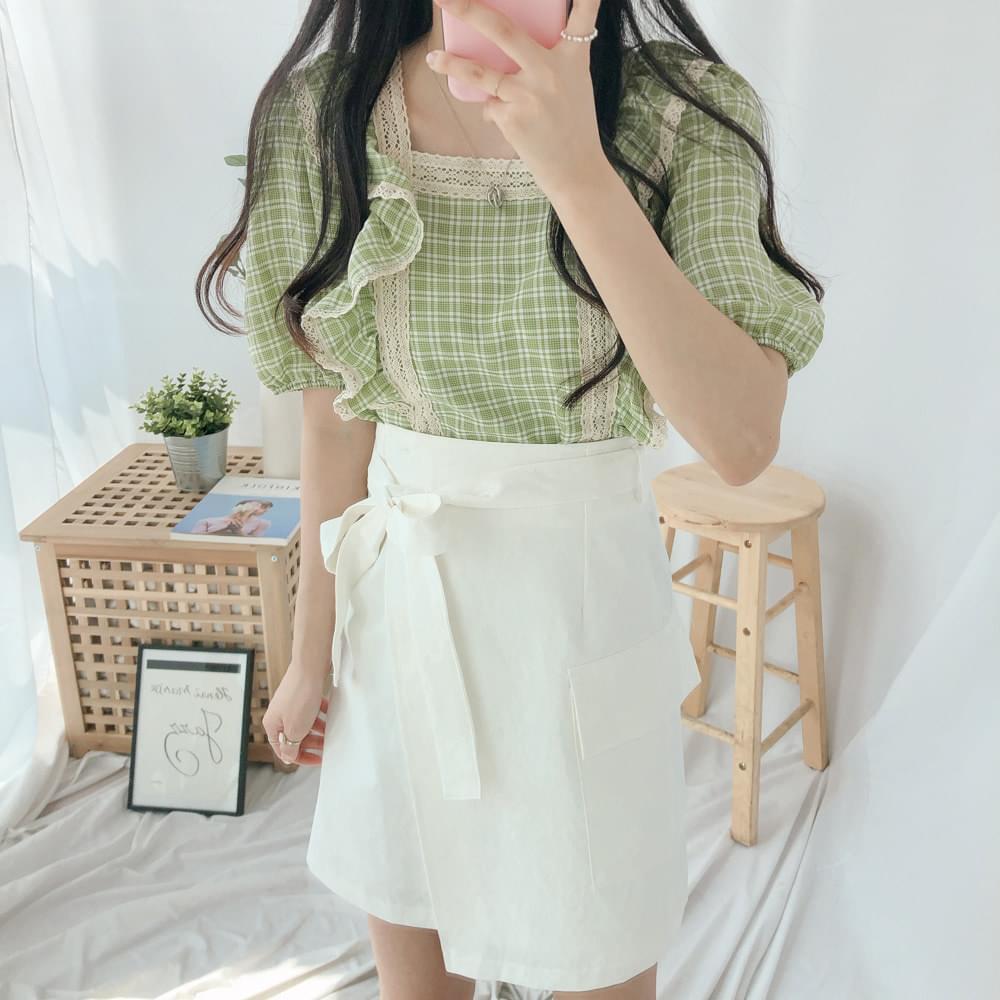 Check ruffle lace blouse