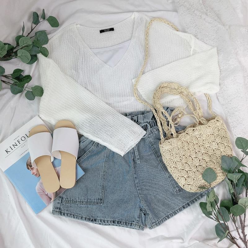 Light V-neck thin knit