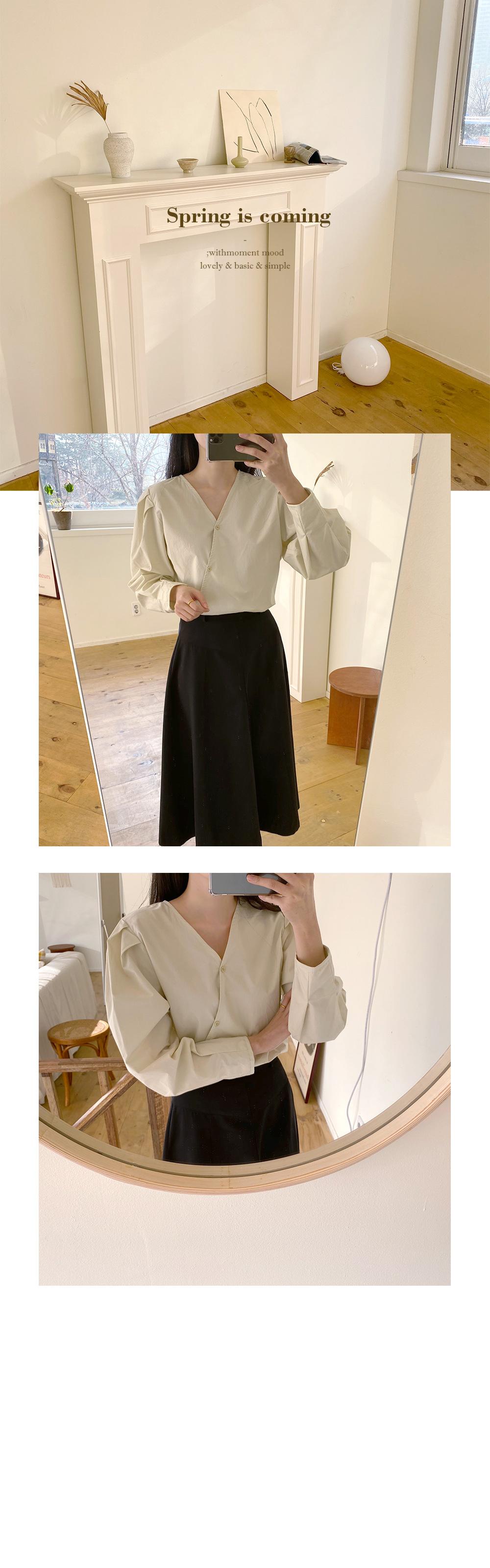 Diagonal puff blouse