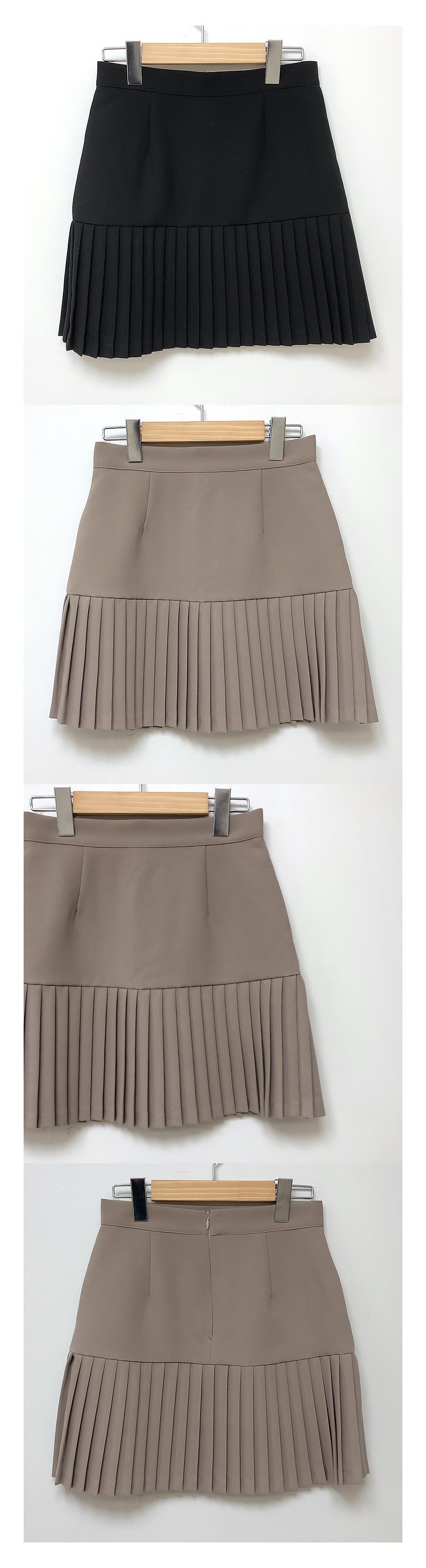 Charming pleated skirt