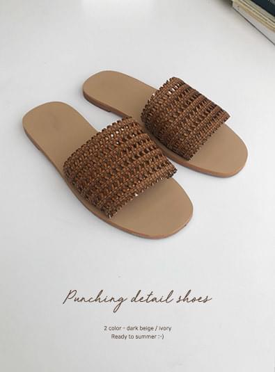 Punching detail shoes