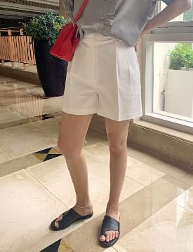 Basic cotton pin tuck half pants