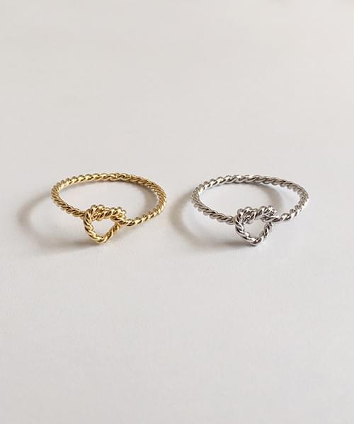 pretzel ring