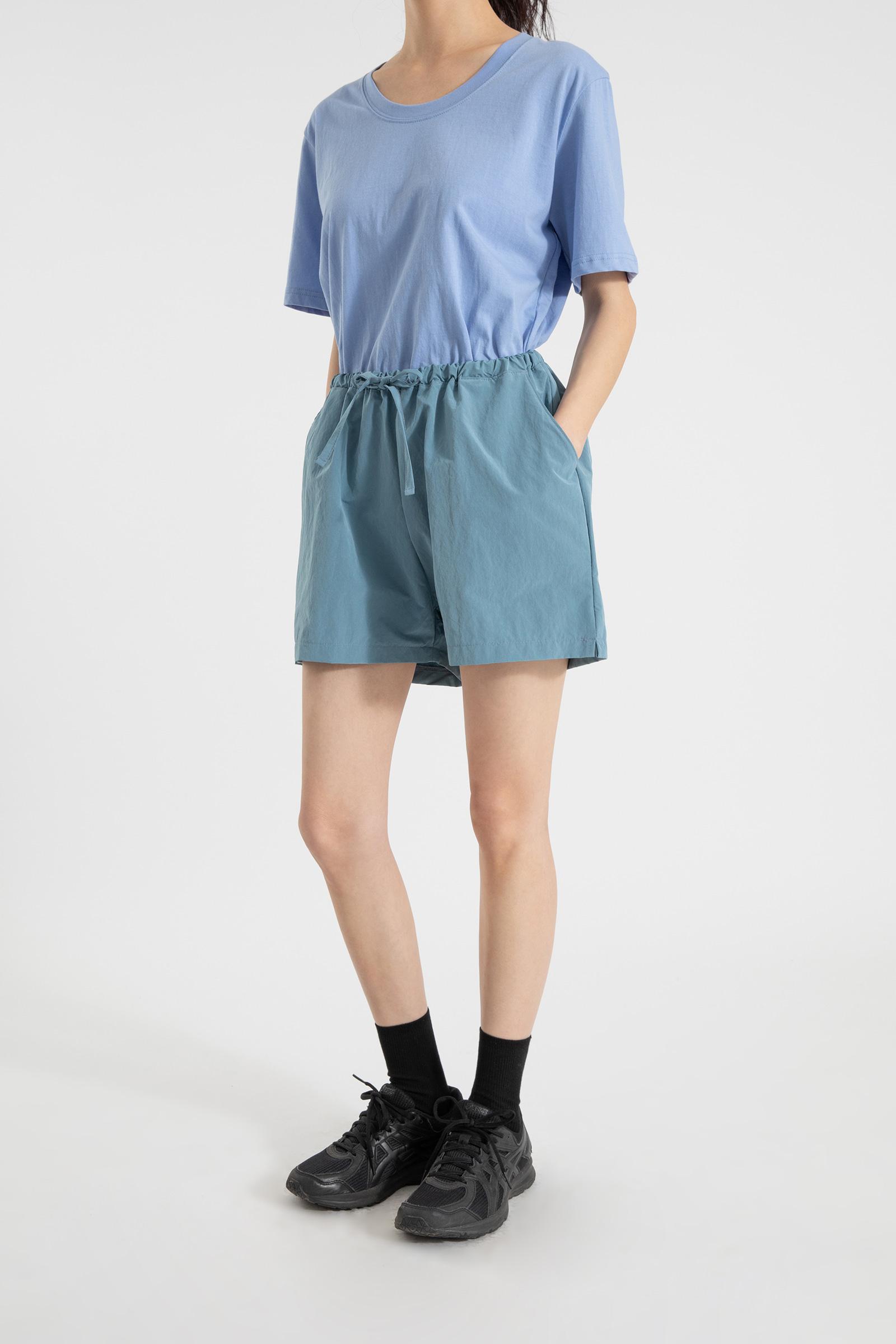 Crispy wide training shorts
