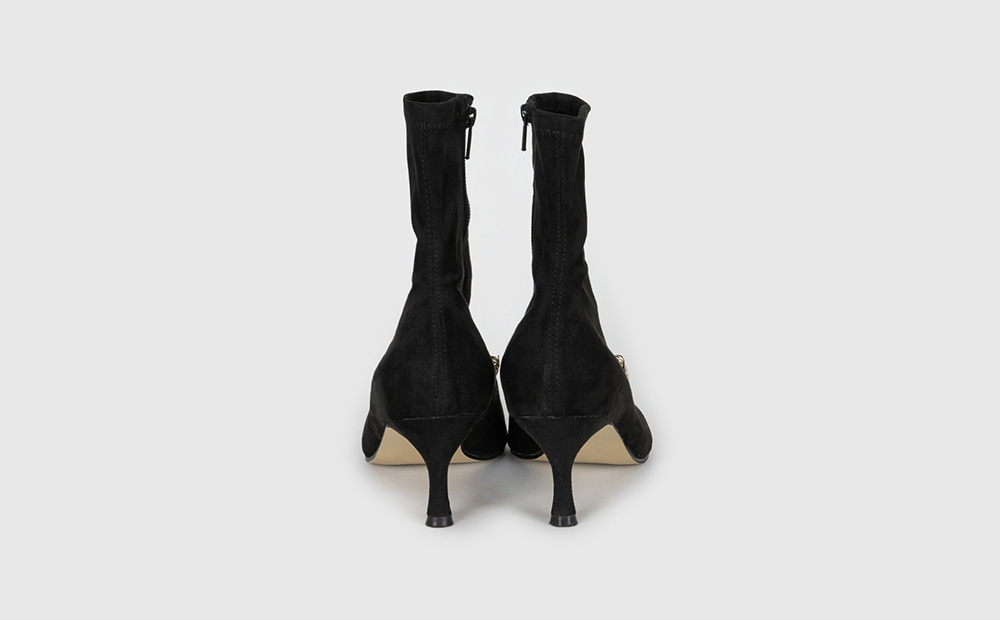 Romantic middle heel ankle boots