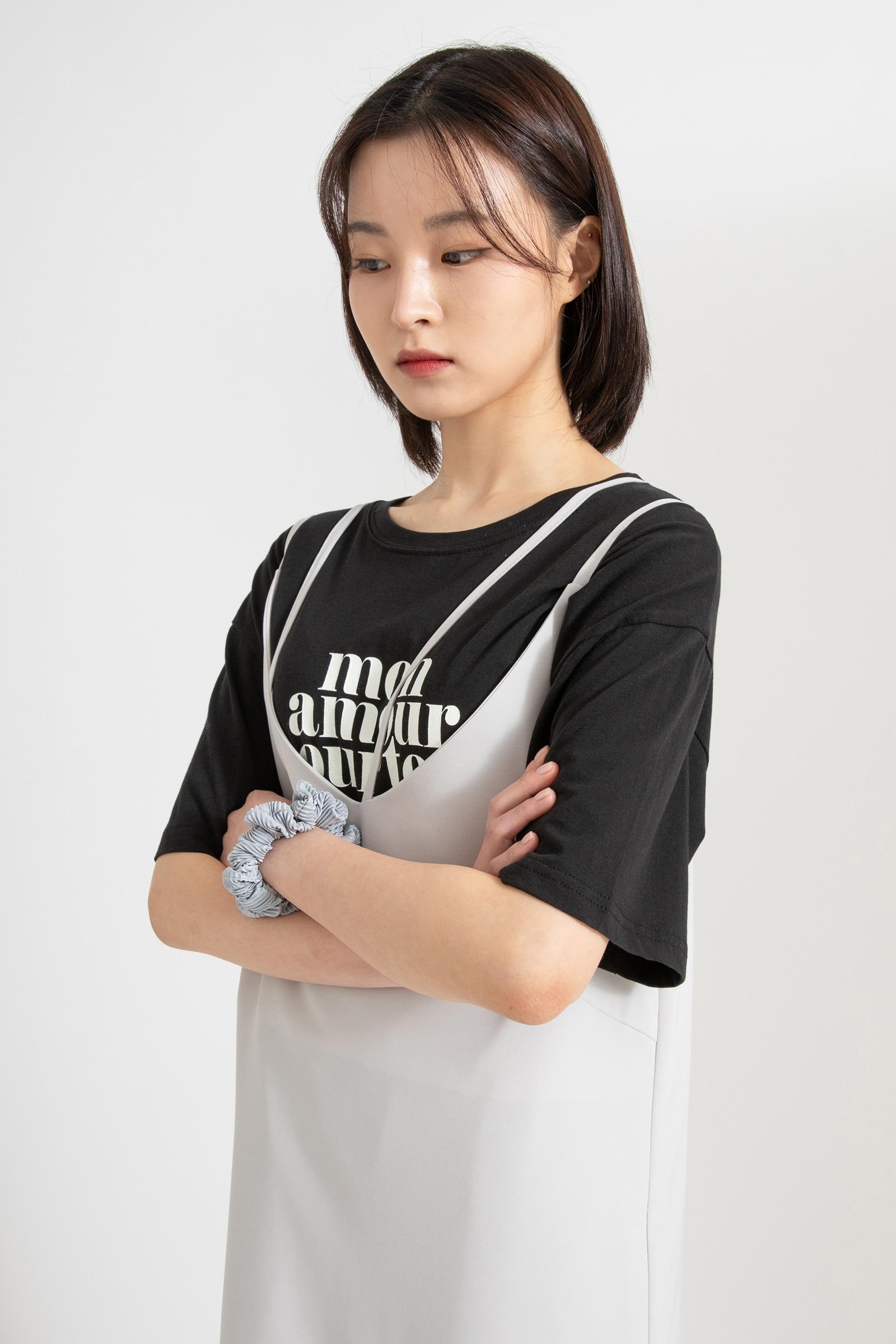 Roman printing half round neck T-shirt