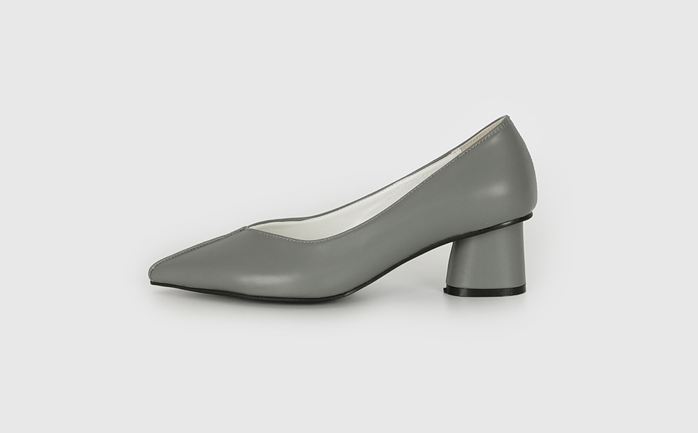 Holic Middle Hill Pumps