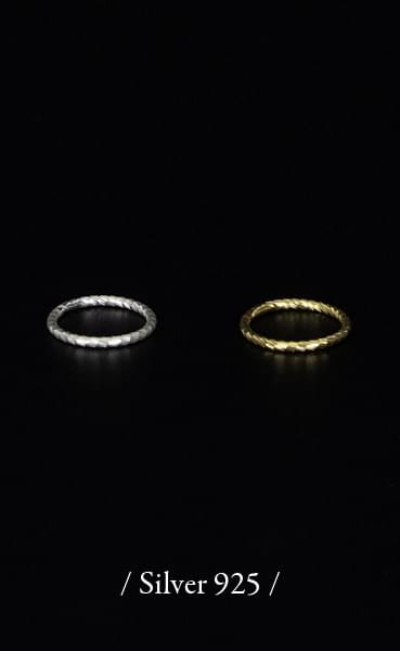 Thin curve silver ring