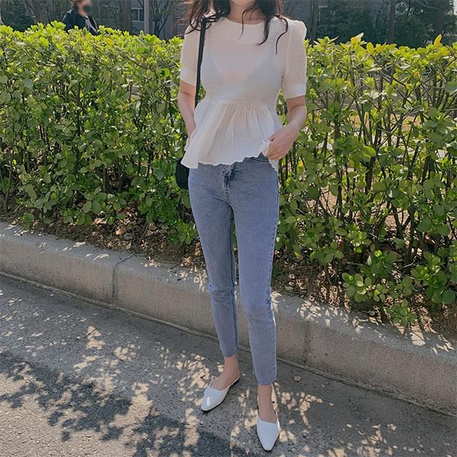 Light skinny jeans