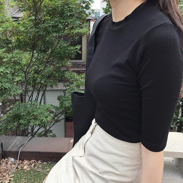 Collar ribbed t-shirt