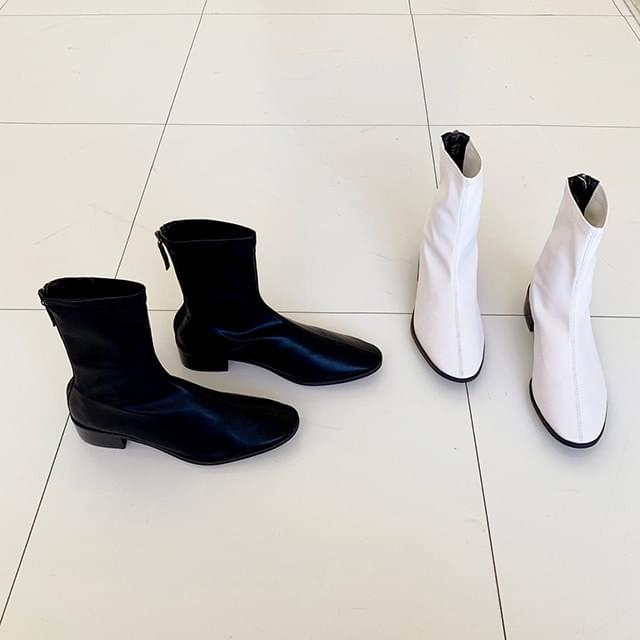 Steel high ankle boots