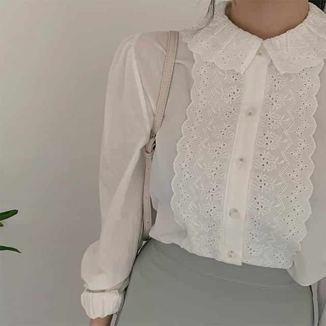 Milky lace blouse