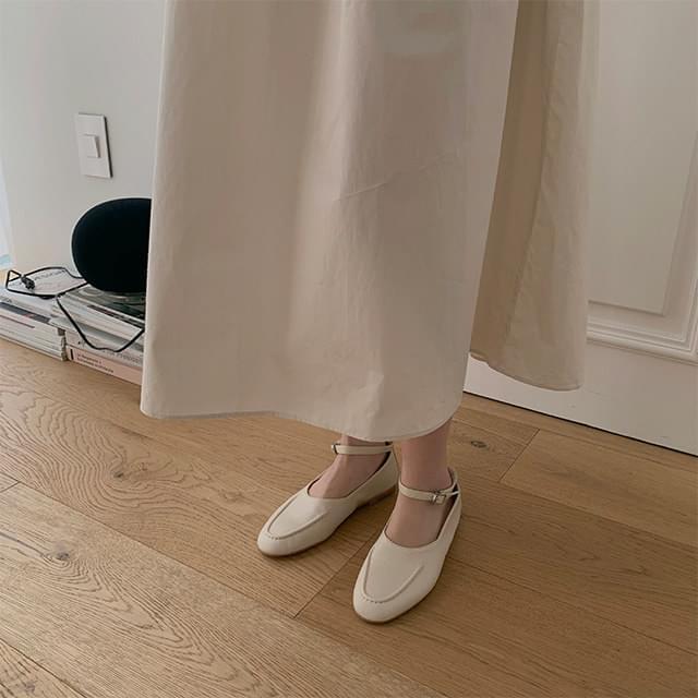 Stitch strap loafers