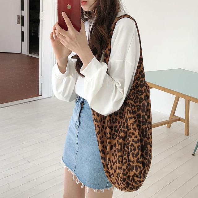 Shoulder leopard bag