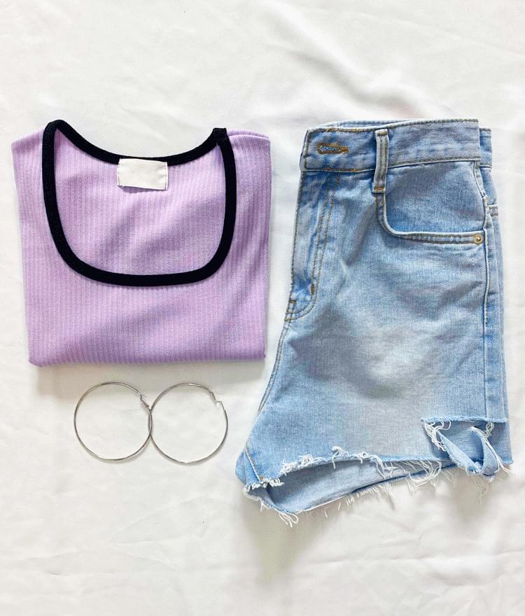 韓國空運 - Cutout Accent Raw Hem Denim Shorts 短褲