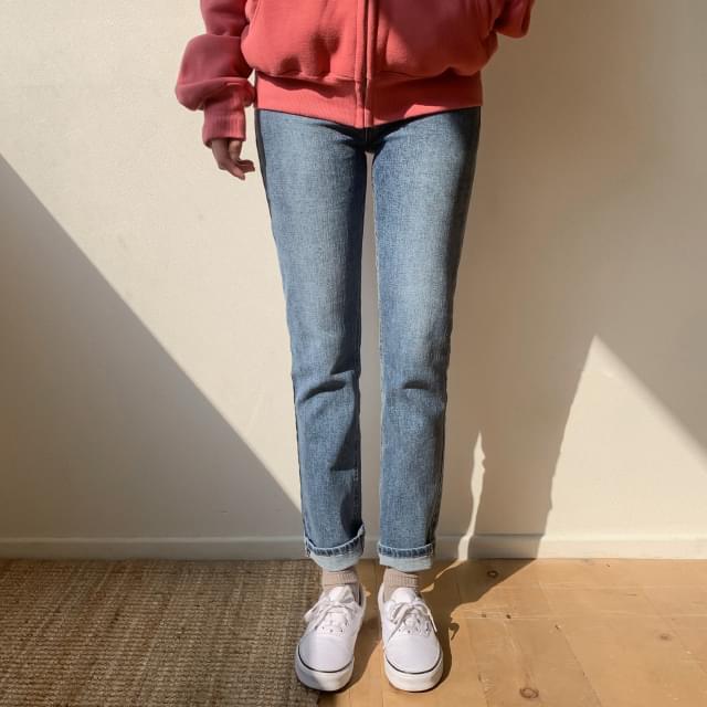 Daily slim span semi-skinny jeans