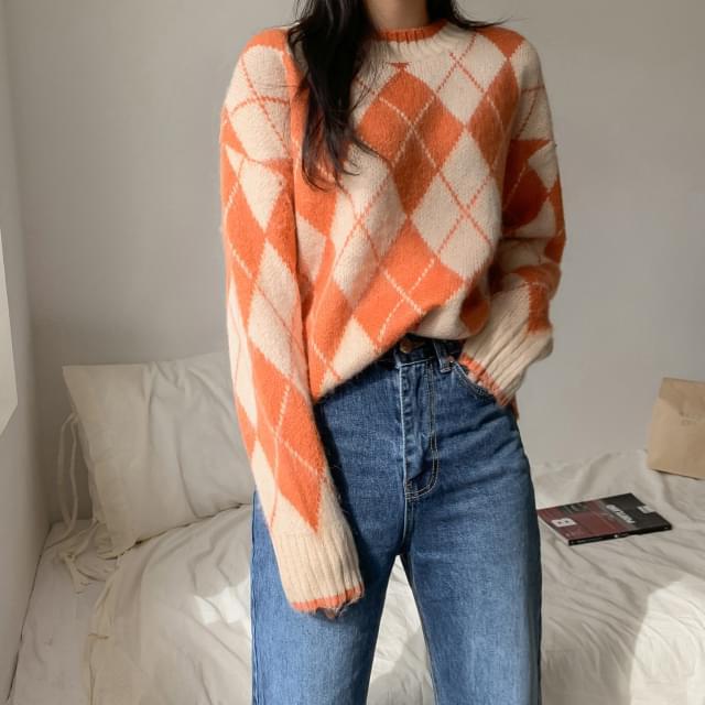 Colorful loose fit argyle knit