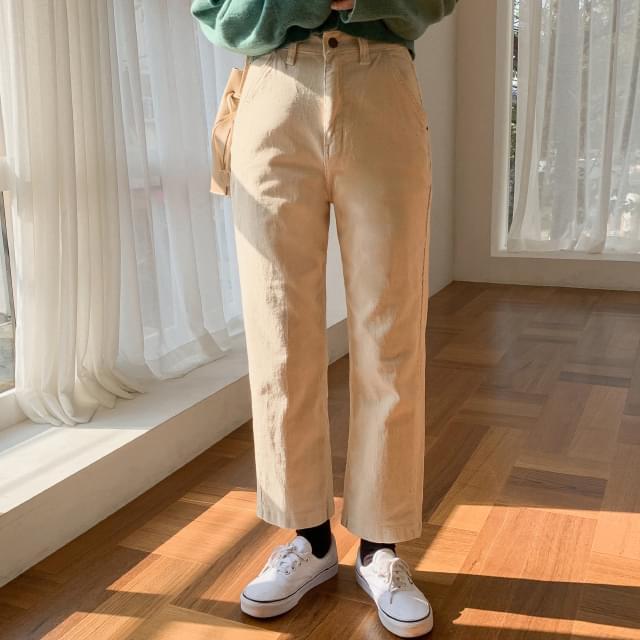 Simple daily corduroy pants