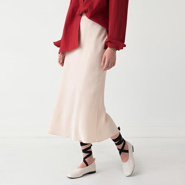 Satin glossy banding skirt
