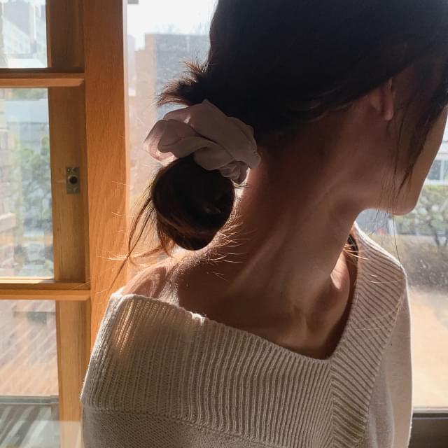 Feminine sha hair strap