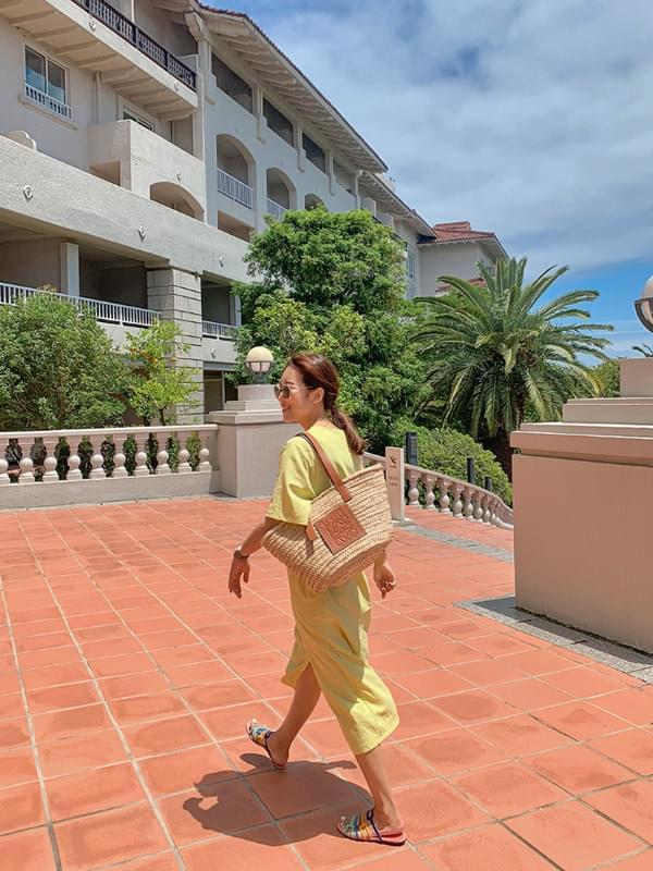 Mochito front slit linen dress