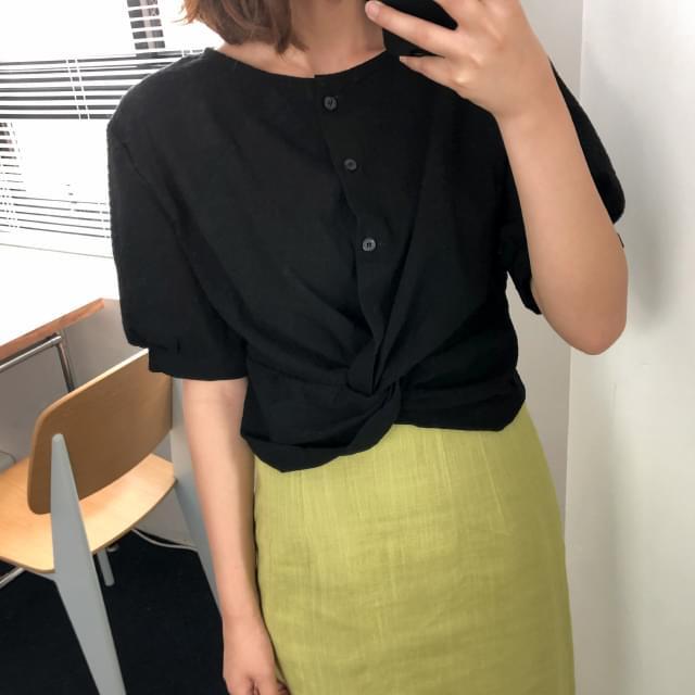 Puff sleeve twist blouse