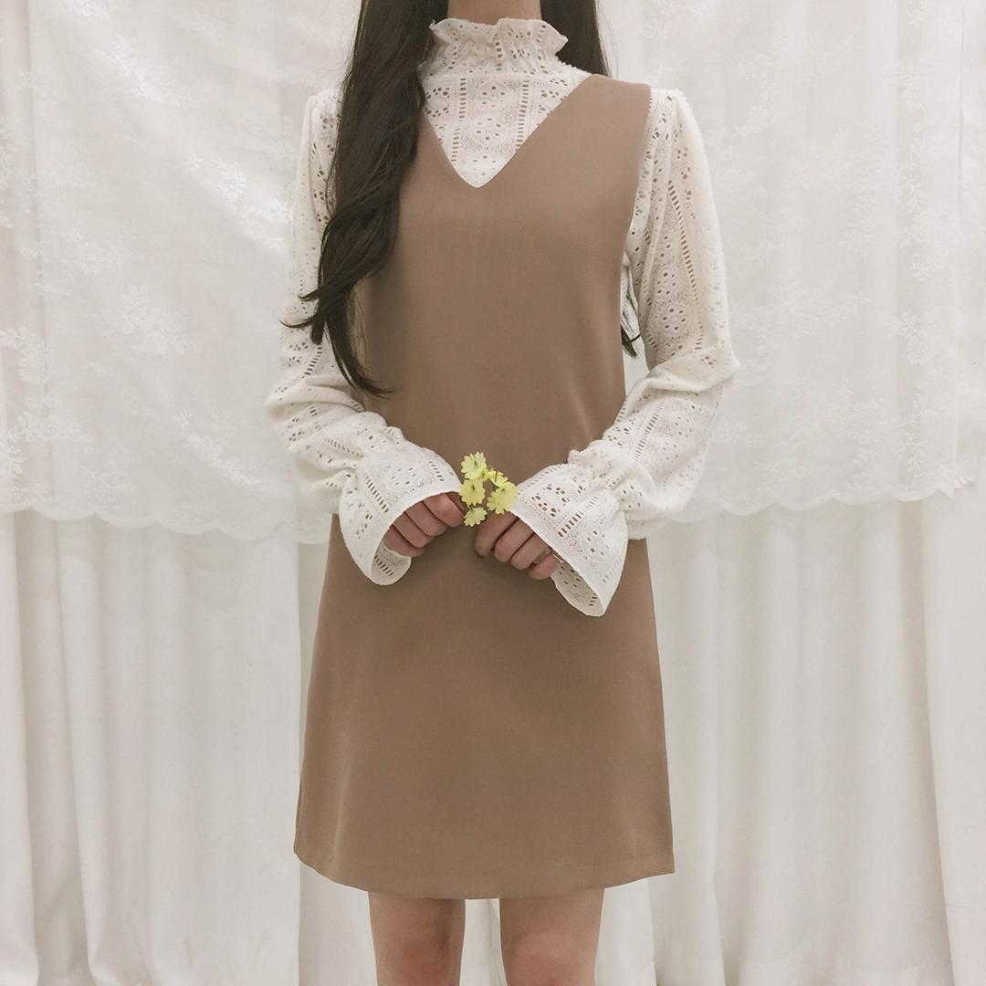 V-neck bustier dress